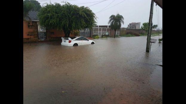 Dos muertos por ahogamiento tras torrencial lluvia en Santa Cruz — Ferreira