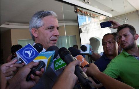 El vicepresidente Álvaro García en conferencia en Santa Cruz. Foto:Vicepresidencia