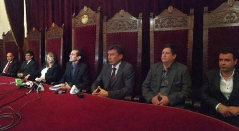 El magistrado José Antonio revilla (c) es el nuevo presidente del TSJ. Foto: CORREO DEL SUR