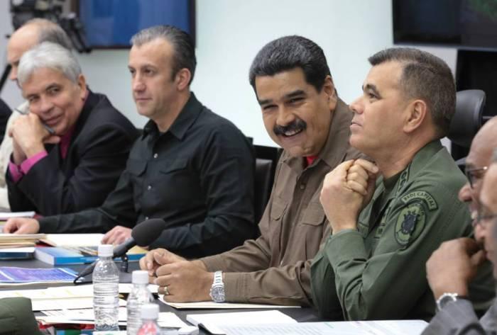 El presidente venezolano, Nicolás Maduro, encabeza el Consejo de Ministros.