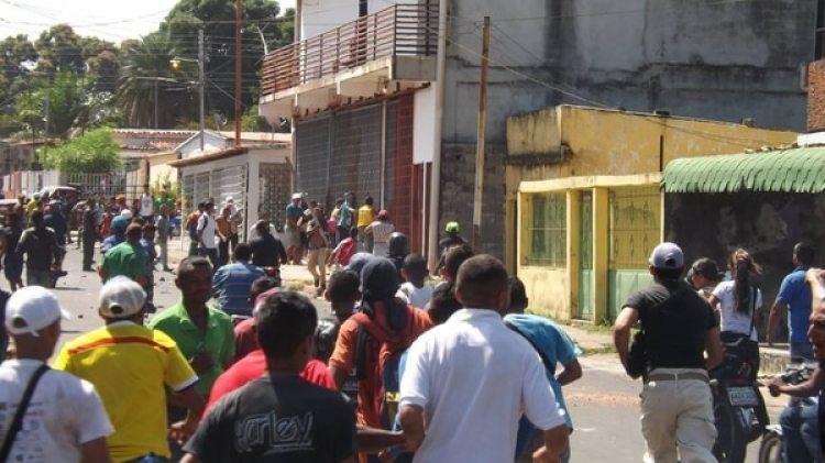 Múltiples saqueos se registraron en los últimos días en Venezuela (Twitter)