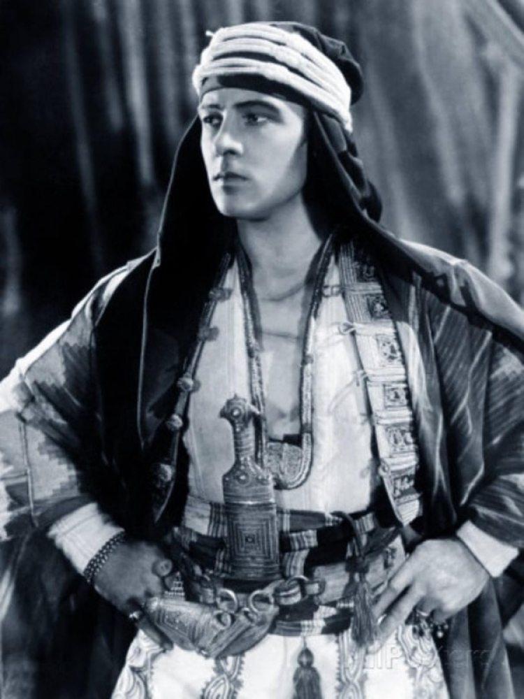 """En """"El Sheik"""" la película que lo convirtió en una estrella"""