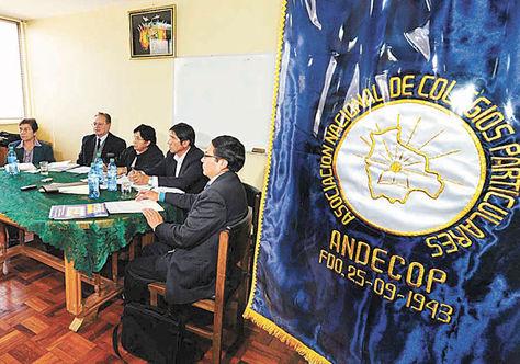 La dirigencia de la Andecop en reuniones de gestiones pasadas.
