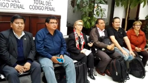 Legisladores refuerzan la huelga iniciada por la senadora Carmen Eva Gonzales
