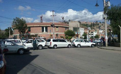 Un bloqueo instalado por los transportistas en Sucre este miércoles 10 de enero. Foto: Yuvert Donoso
