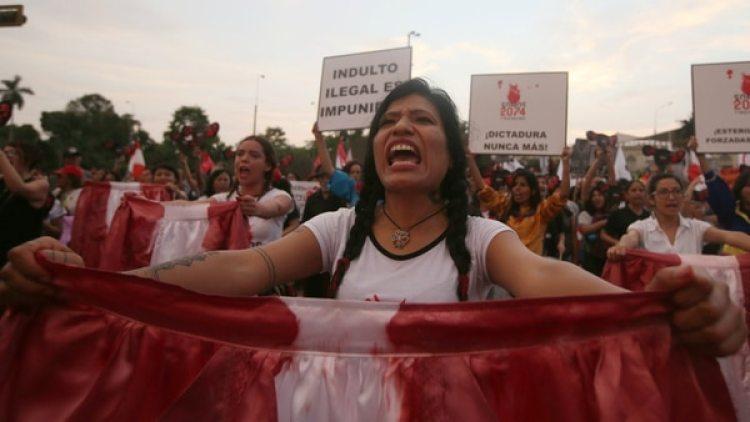 Miles de personas salieron a protestar en las calles por las calles de Lima. (Reuters)