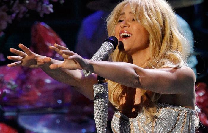 "The Cranberries: Así cantó Shakira la canción ""Zombie"""