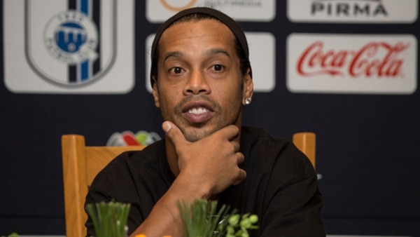 Ronaldinho deja un legado difícil de superar: Neymar