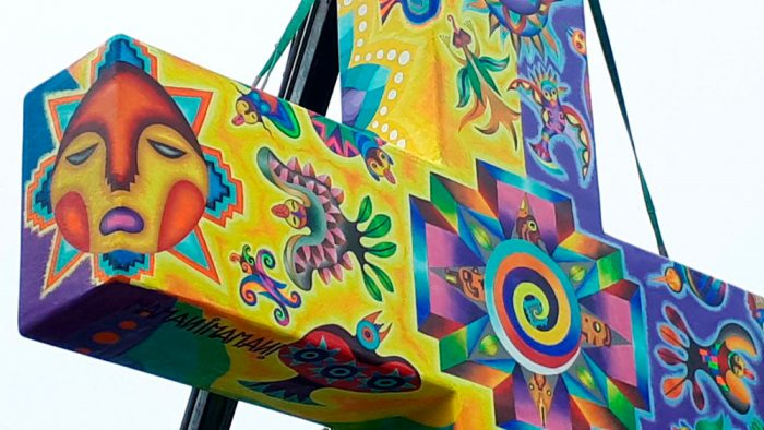 Los detalles de la obra del maestro muestran una combinación de la cosmovisión andina como Alaxpacha, Akapacha y Manq'apacha.