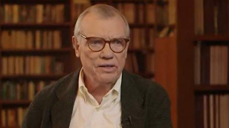 """Wilson fue también uno de los guionistas de la película de comedia """"Down Periscope"""" (1996)"""