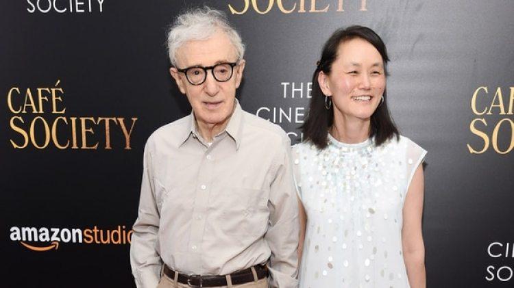 Woody Allen junto a su esposa e hijastra hijastra Soon-Yi Previn. (Getty Images)