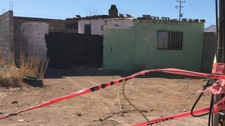 Casa donde se encontró una fosa clandestina dentro de una vivienda en el estado de Chihuahua. (El diario de Chihuahua)