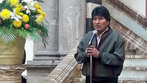 El presidente Morales anuncia la reunión con excancilleres para la fase oral de la demanda marítima.