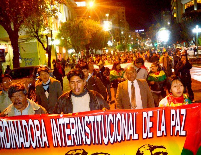 MARCHA DE TEAS QUE RECORRIÓ AYER EL CENTRO DE LA PAZ REITERA ULTIMÁTUM CONTRA CÓDIGO DEL SISTEMA PENAL.