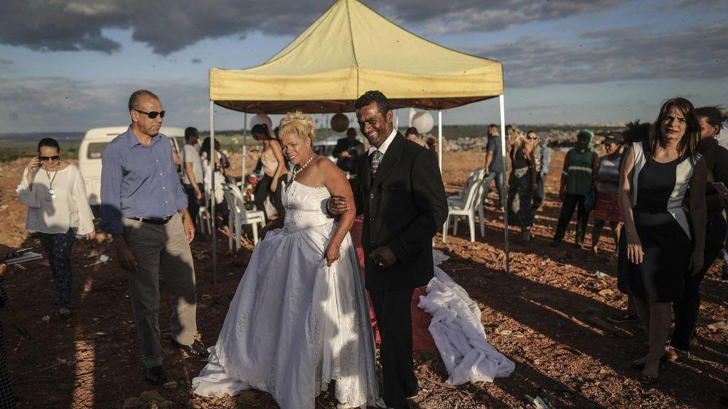 La pareja de catadores de lixo durante la ceremonia.