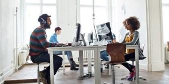 De la mano de los millennials las empresas caminan en zapatillas
