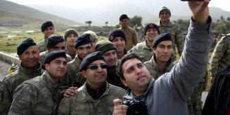 Quiénes son los rebeldes sirios equipados por Turquía y enviados a la guerra contra los kurdos que apoya Estados Unidos