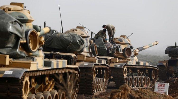 Tanques turcos tras la invasión de Siria (Reuters)