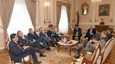 Reunión del presidente Evo Morales con excancilleres. Foto:El Pueblo es Noticia