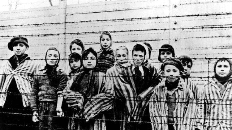 Niños prisioneros en Auschwitz