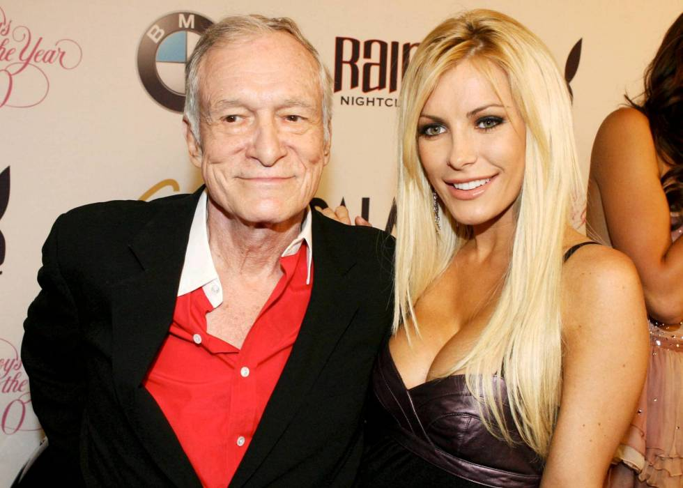 Hugh Hefner y Crystal Harris en un evento de Playboy.