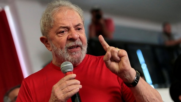 Prohíben a Lula Da Silva salir de Brasil