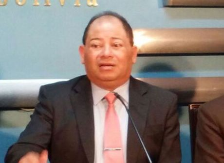 Carlos Romero, ministro de Gobierno.