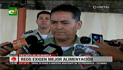 Reos de Palmasola protestaron exigiendo mejor alimentación