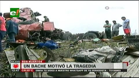 Un bache sería la causa del accidente entre una flota y un trailer que dejó 6 muertos