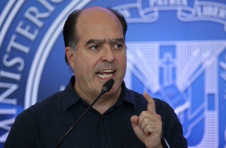 El opositor Julio Borges negó que la oposición haya alcanzado un acuerdo (REUTERS/Ricardo Rojas)