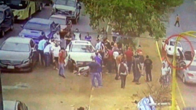 Un hombre armado bajó de un vehículo para volver a dispararle a la víctima.