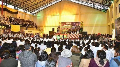 El acto de inauguración del año escolar que se desarrolló en Oruro en el que participó el presidente Morales.