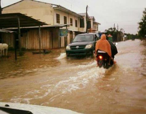 Una calles de San Borja anegadas por las lluvias.
