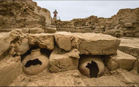 Excavaciones en una tumba