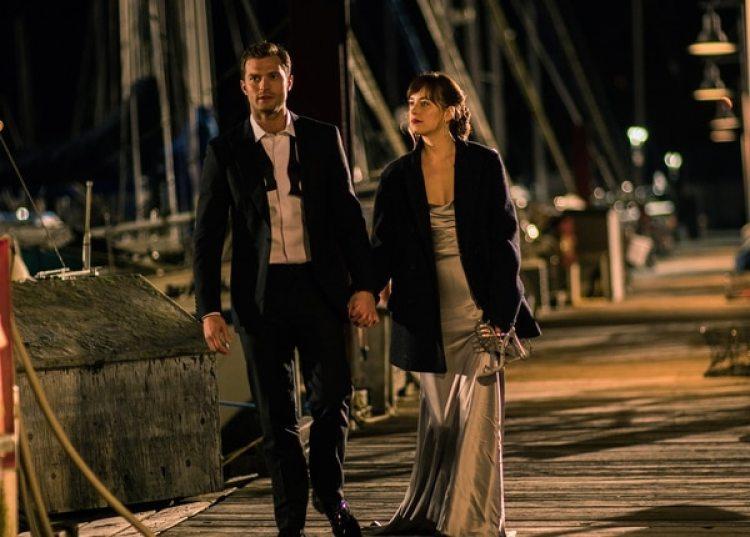 La actriz destacó el cambio de Christian Grey, que de ser un hombre reacio al amor y volcado en experimentar con el sexo llega incluso a pasar por el altar