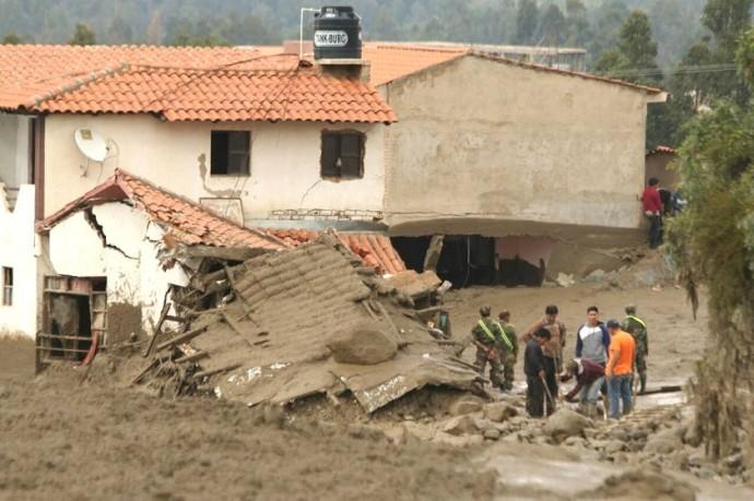 Una de las casas derrumbadas en Tiquipaya. Foto: APG