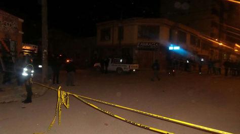 La calle Backovic, lugar donde se produjo la segunda explosión, acordonada por la Policía.