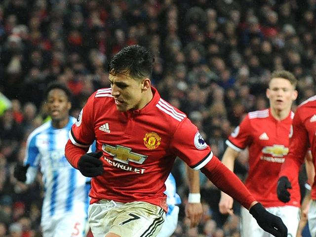La baja estatura de Alexis tiene impresionado a Zlatan