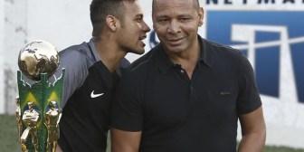 ¡Fuertes declaraciones! Padre de Neymar arremete contra los críticos de su hijo