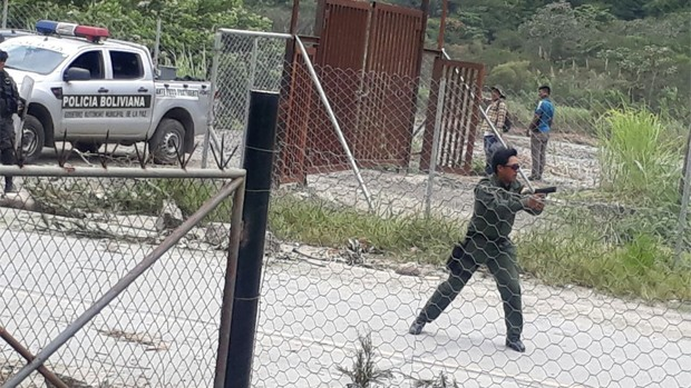 Yungas: Bloquean con denuncias contra el Gobierno