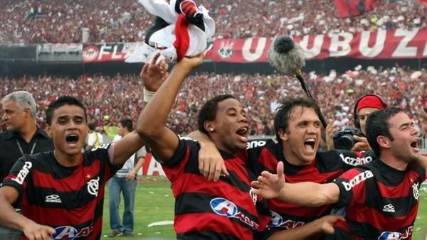 Polémica: Douglas Costa revela amaño en la Liga de Brasil
