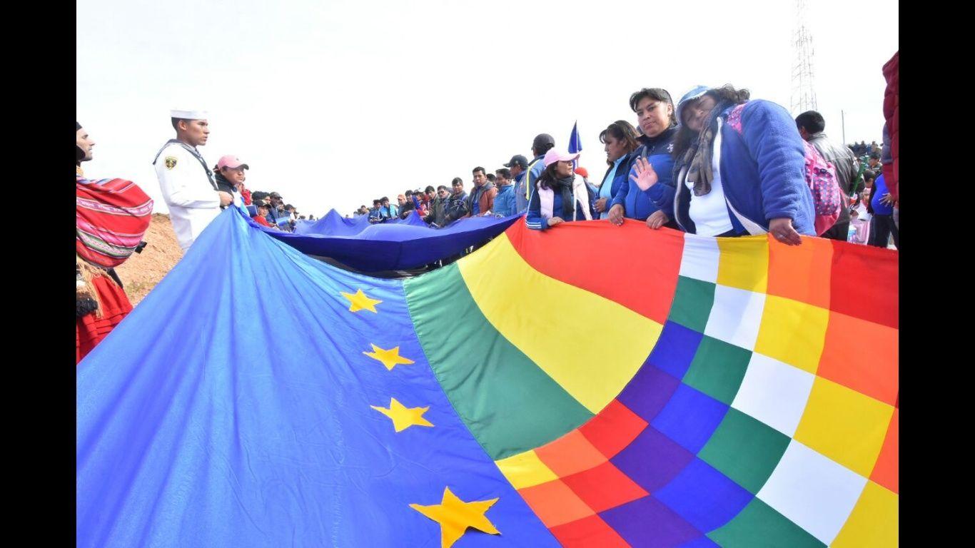 Frente Amplio entrega apoyo a Evo Morales por demanda marítima