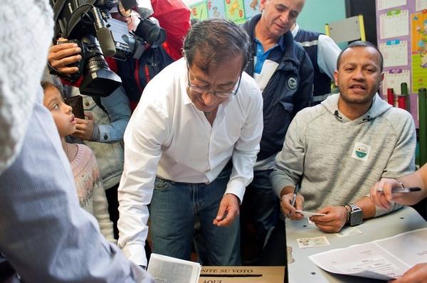 La participación electoral subió un 5 % en Colombia dice el Gobierno