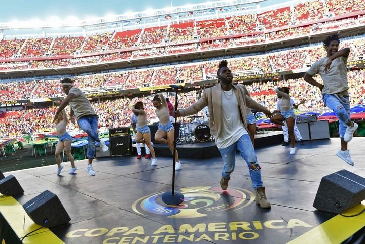 ¡Ya es oficial! Maluma hará canción para el mundial