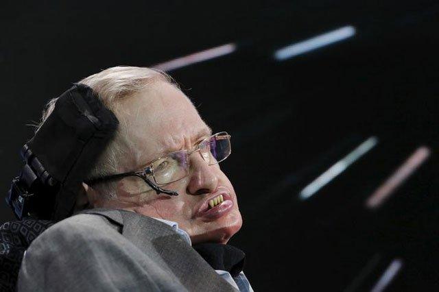 Antes de morir, Stephen Hawking reveló cómo predecir el fin del mundo
