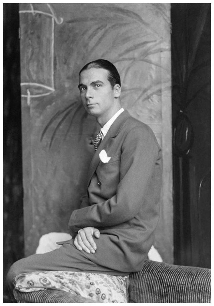 Cristobal Balenciaga (1895-1972), couturier español, en 1927.