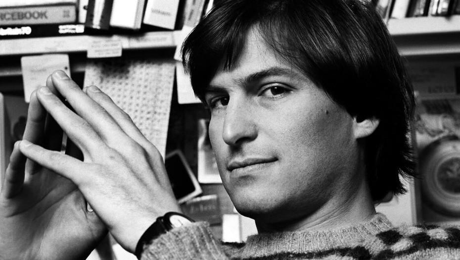 Subastan solicitud de empleo hecha por Steve Jobs