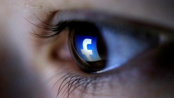 La información que Facebook registra y almacena incluso en una cuenta con poca actividad puede equivaler a 160 horas de música como en el caso de Brian Chen
