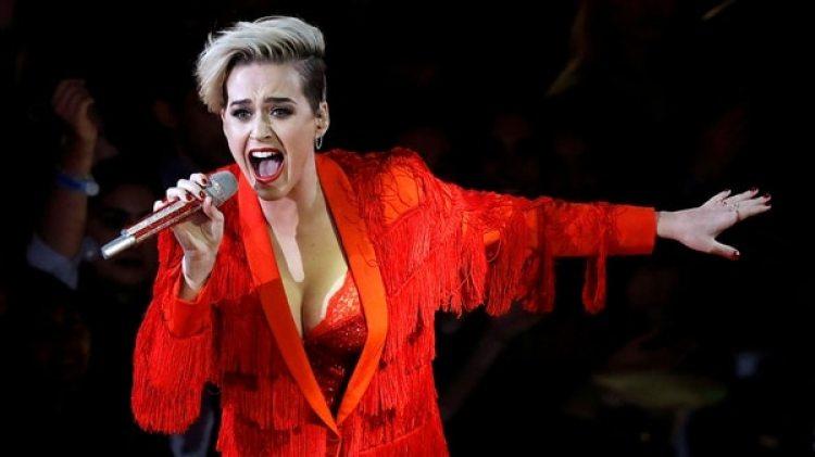 La Hermana Rita Callanan aseguró que hará todo lo posible para frenar la venta del convento a Katy Perry (Reuters)