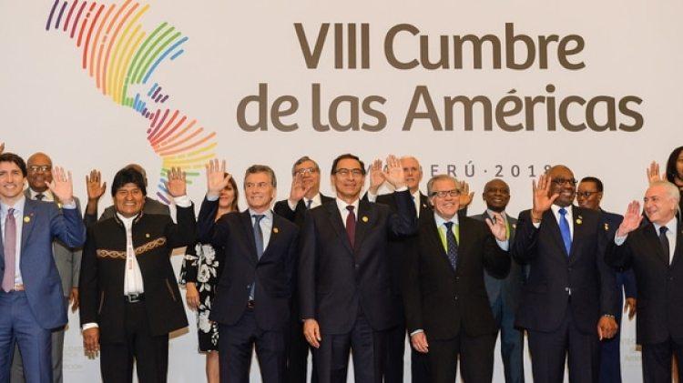 La foto oficial de los presidentes en la VIII Cumbre de las Américas (Presidencia)